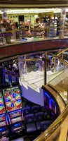 view from deck 7 middel floor, down to Casino on Deck 6